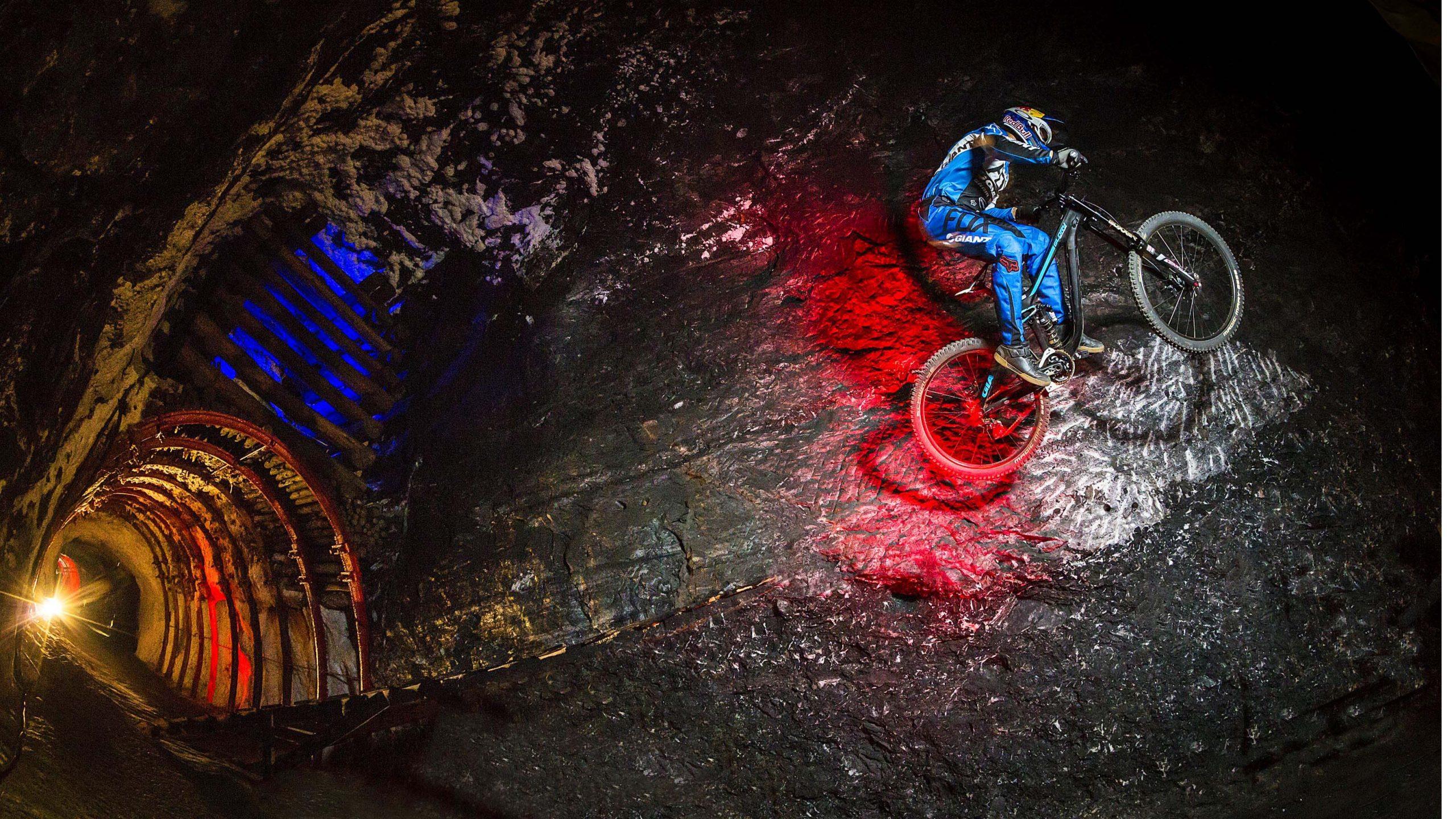 VIDEO: Marcelo Gutiérrez Rides Into the Earth: Colombia   Downhill MTB