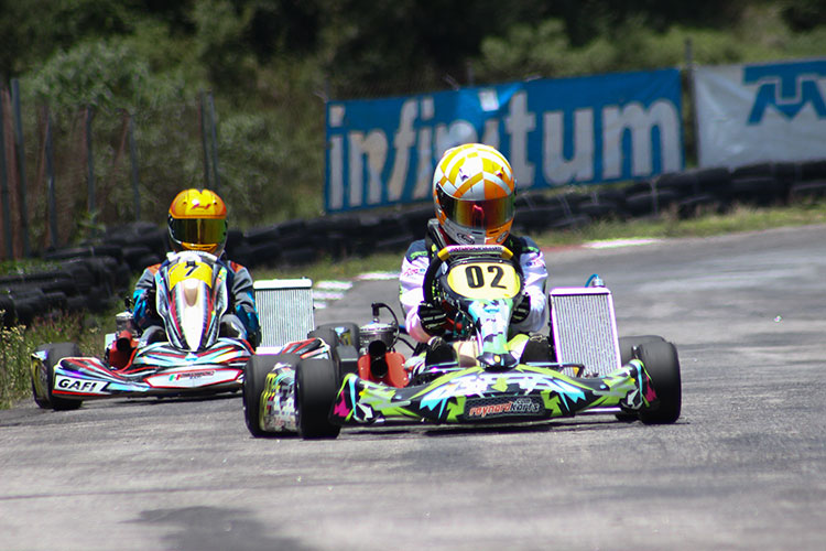 Juan Carlos Núñez se lleva los laureles en FIA México