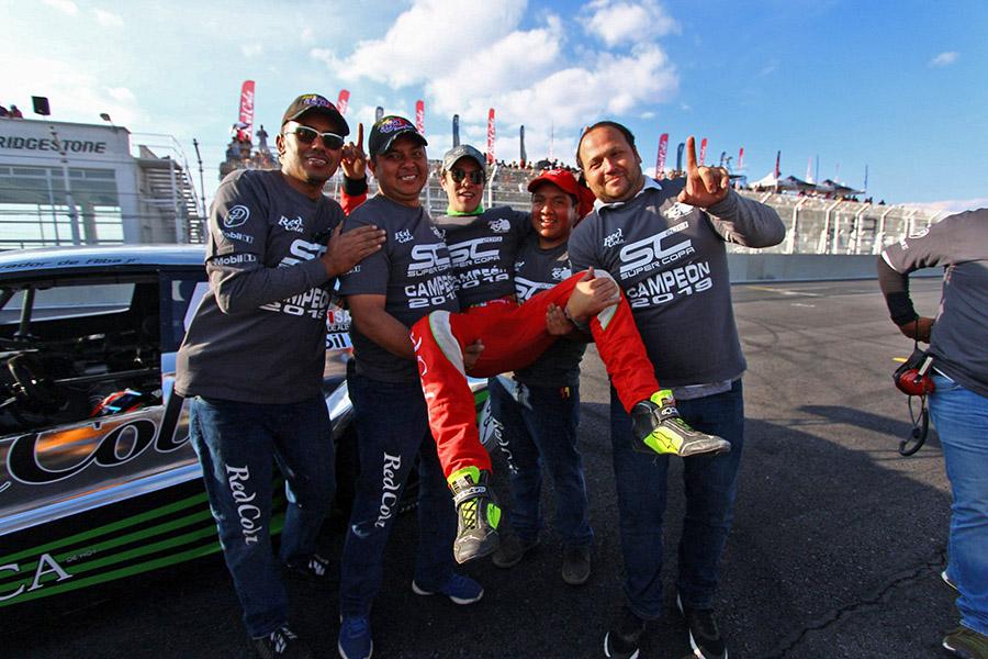 Salvador de Alba Jr y el Sidral Aga Racing Team, Campeones 2019 de la Copa Mercedes