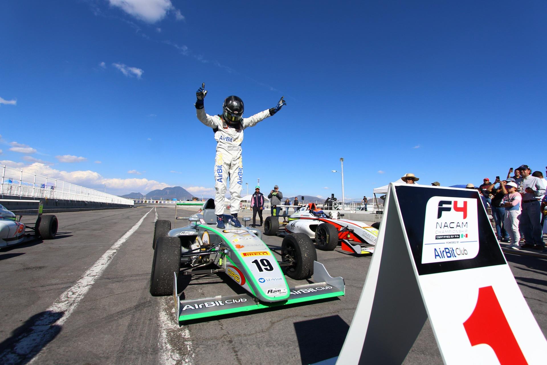 Triple podio, victoria y liderato, para Noel León en FIA F4 NACAM