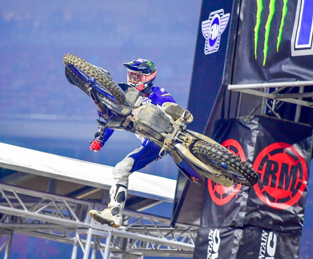 VIDEOS: Supercross Highlights 450 y 250 Round 3 Houston