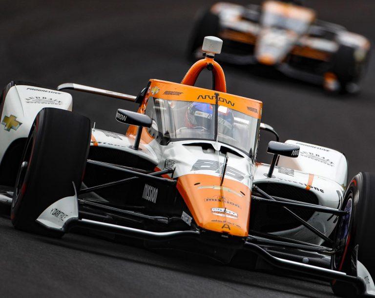 Juan Pablo Montoya avanza en su preparación con miras a la Indy 500
