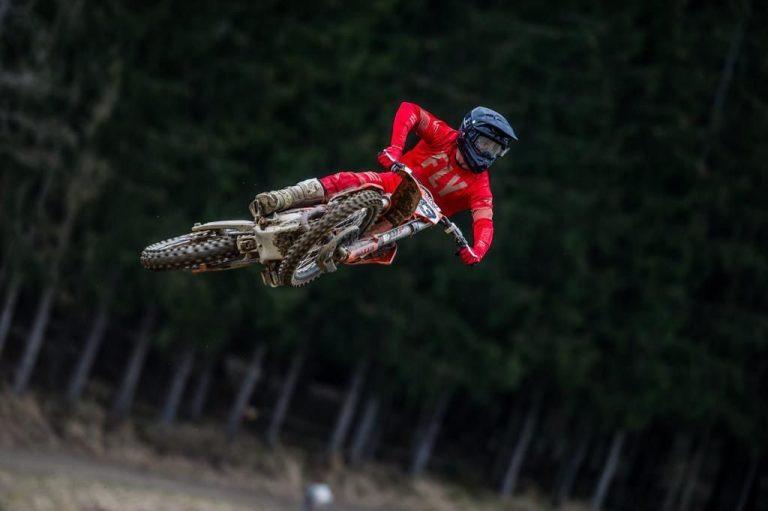 Buen arranque de Lorenzo Locurcio en el Mundial de Motocross MXGP