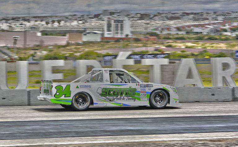 Lavar Scott con sorprendente triunfo en NASCAR Trucks en Querétaro